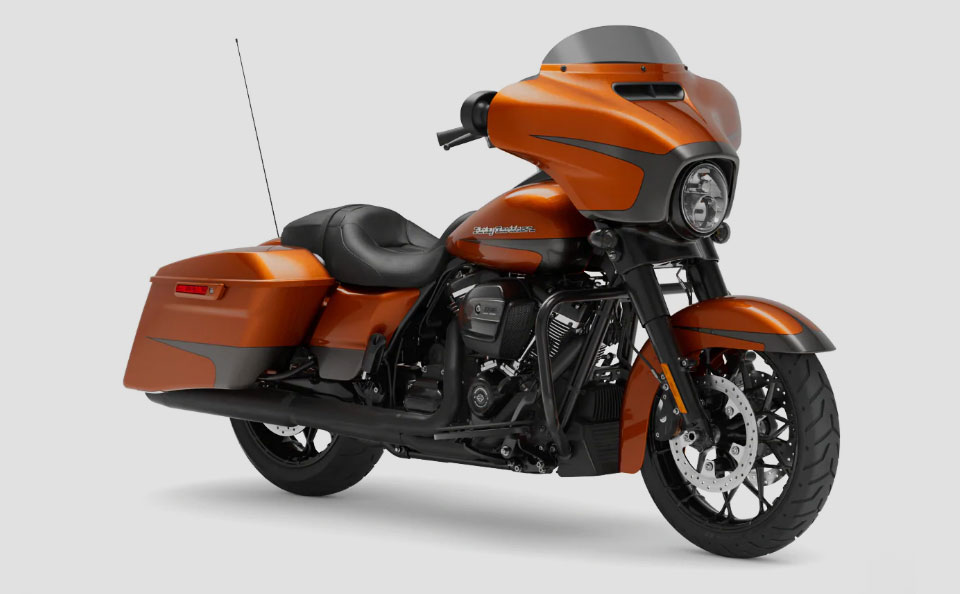 Street-Glide-Special-02